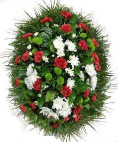 Фото - Ритуальный венок из живых цветов #22 лилии, розы, хвоя