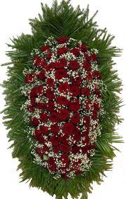 Фото - Ритуальный венок из живых цветов #4 красные розы, гипсофила, хвоя