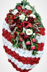 Фото - Ритуальный венок из искусственных цветов - Элитный #14 красно-белый из роз, гвоздик и зелени