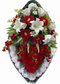 Фото - Ритуальный венок из искусственных цветов - Элитный #23 красно-белый из лилий и гвоздик