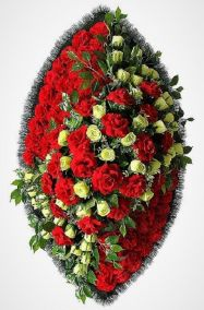 Фото - Ритуальный венок из искусственных цветов - Элитный #3 из роз и гвоздик