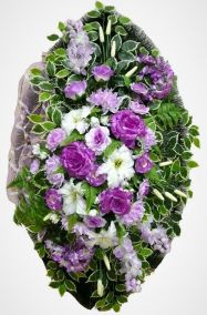 Фото - Ритуальный венок из искусственных цветов - Элитный #33 фиолетово-белый из хризантем, лилий и зелени