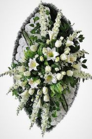 Фото - Ритуальный венок из искусственных цветов - Элитный #4 белый из роз, лилий и зелени