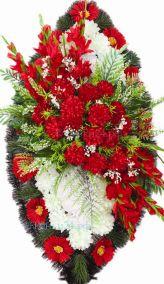 Фото - Ритуальный венок из искусственных цветов - Элитный #44 красно-белый из хризантем, гвоздик и зелени