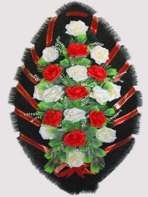 Фото - Ритуальный венок из искусственных цветов #25 красно-белый из роз и зелени