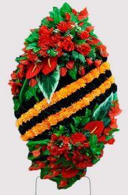 Фото - Ритуальный венок на возложение #19 Георгиевская лента из гвоздик